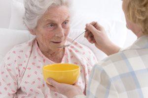 hulp bij eten bij dementie