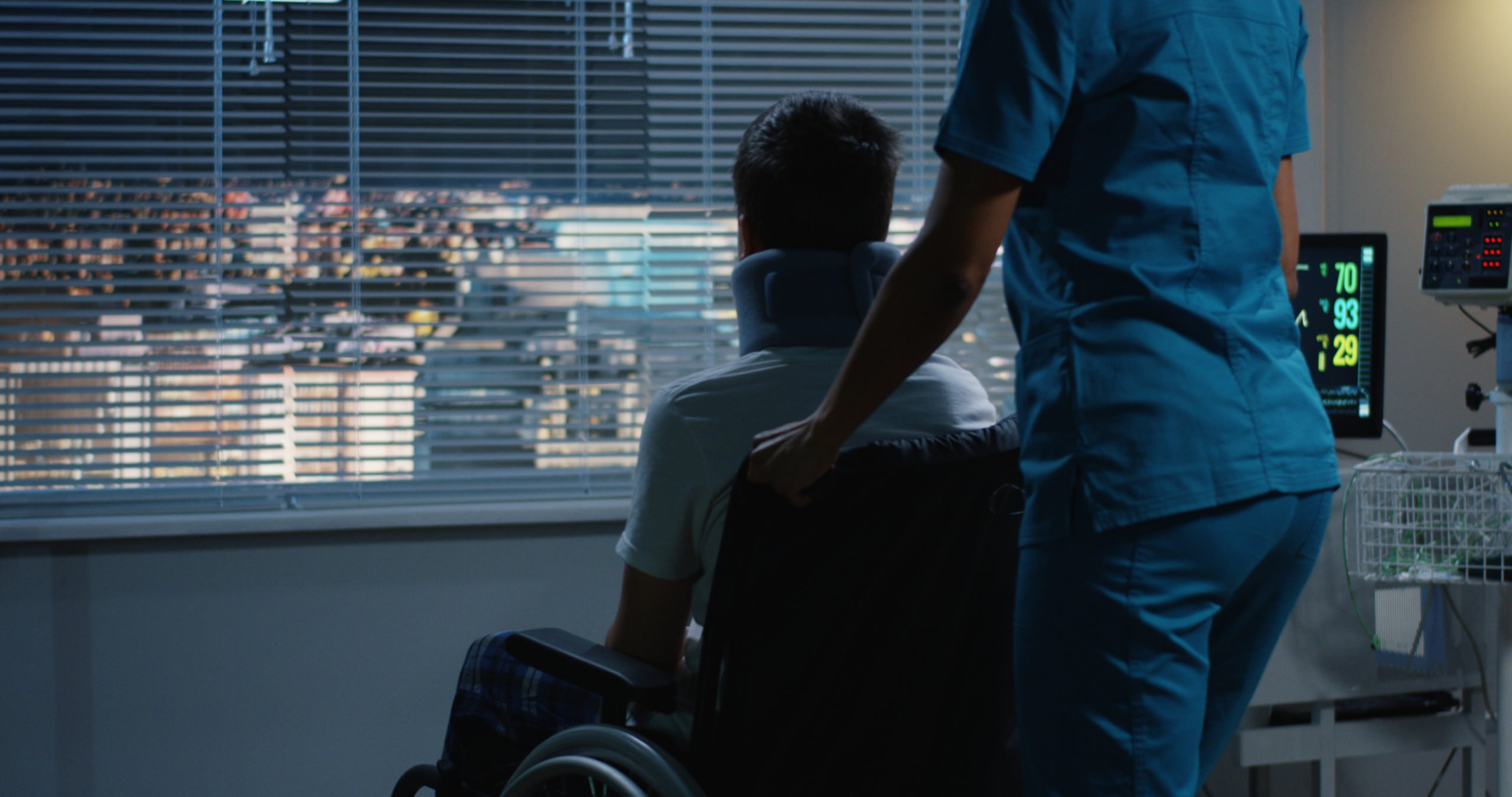 Nachtzorg van Zuster Jansen kan een oplossing zijn wanneer de mantelzorg overbelast is. Nachtzorg bestaat uit slaapdiensten en waakdiensten. Ook kunnen wij terminale nachtzorg inzetten.